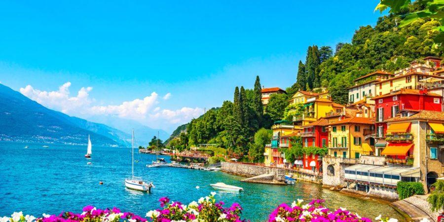 A cidade de Varenna, à beira do lago di Como