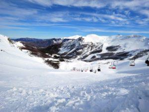 Pista de ski e paisagem em Abetone, na Toscana, uma das cidades com neve na Itália