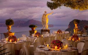 Vista do mar a partir do terra;co do hotel caesar augustus em capri, um dos locais onde ficar na costa amalfitana