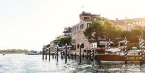 Vista do hotel Cipriani em Veneza ao pôr do sol