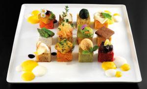 Prato colorido e bem apresentado do restaurante Joia, um dos melhores restaurantes de Milão