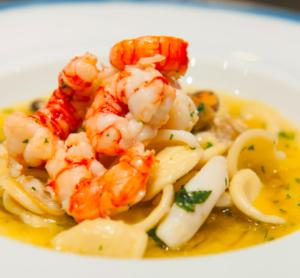 Massa com camarão e frutos do mar no Langosteria, que está na lista dos melhores restaurantes de Milão