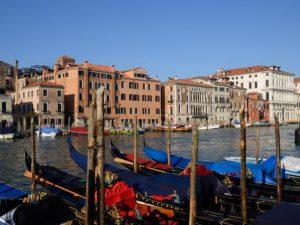 Vista de fachada do LÓrologio, um dos melhores hotéis em Veneza, Itália